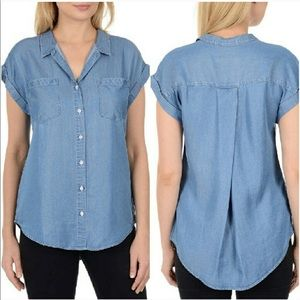 ✨ Jachs Girlfriend Chambray Button Down Blouse